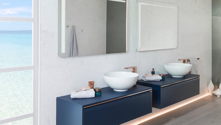 granatowe szafki łazienkowe